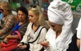 В метро в Киеве видел мужчин в халаты